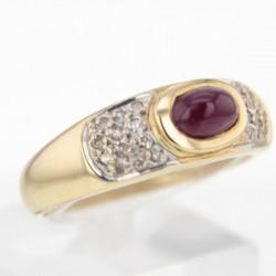 Bague Or jaune rubis cabochon et diamants